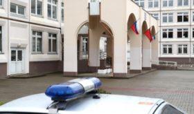 Школьник в московском Жулебино угрожал учителям ножом и обещал покончить с собой