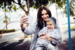 «Посмотрите на моего ребенка!»: стоит ли показывать фото детей в соцсетях?
