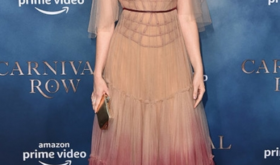 Гипнотическое платье Кары Делевинь и другие лучшие наряды недели