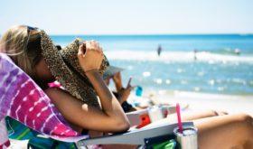 Загар и родинки: ликбез перед пляжем