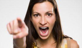 10 признаков того, что токсичная подруга — это ты