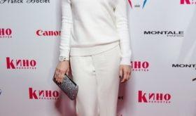 Юлия Ковальчук устроила съемку без макияжа и укладки, но фолловеры не оценили натуральный образ звезды