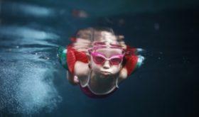 10 советов как научить ребенка плавать