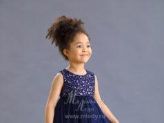 Платье из сетки для девочки синее